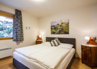 Schlafzimmer 1 T1